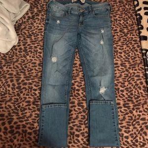 hollister destroyed super skinny jeans .
